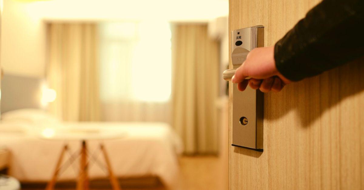 Czy warto reklamować hotel na Facebooku?
